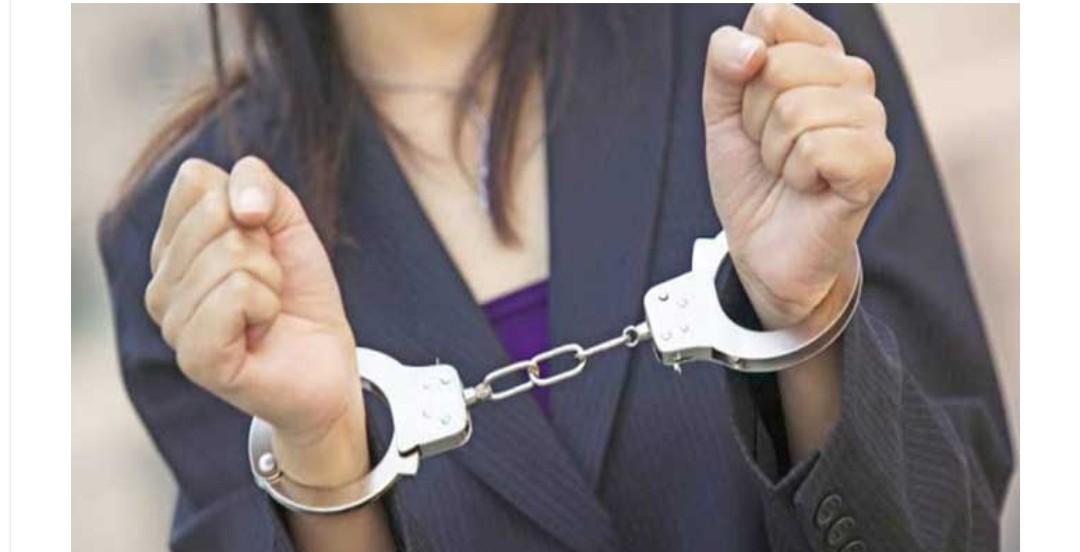 اعتقال السيدة التي نشرت شريطا صوتيا تدعي فيه فرض حالة الطوارئ بمراكش ونشر فيالق من الجيش بسبب كورونا
